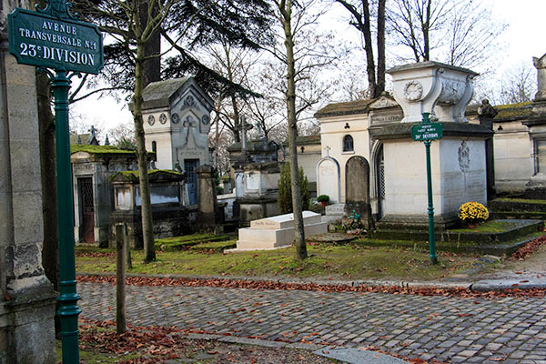 23rd division of Père Lachaise Cemetery