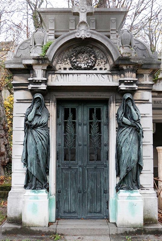 Tomb Caryatids on the mausoleum of la Famille Ponsat